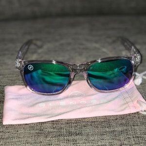 be8eec3ab9 BLENDERS Eyewear Accessories - BLENDERS Eyewear